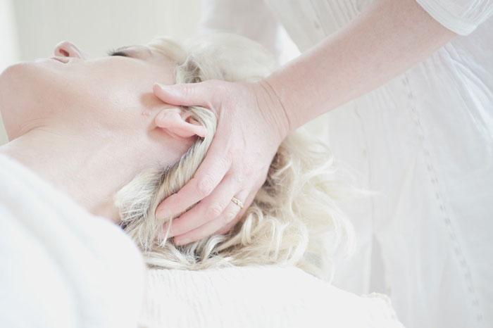 椿油・オリーブオイルを使ったヘアケア方法