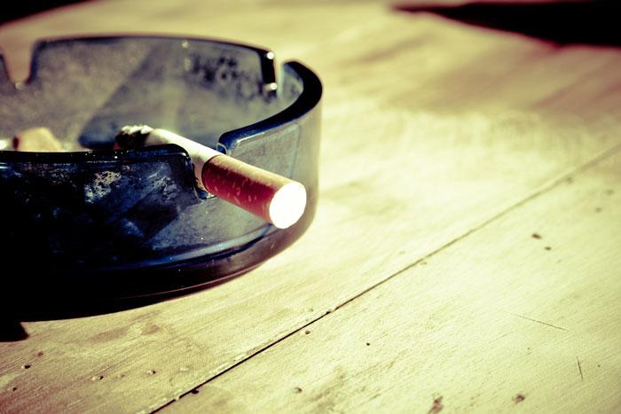 タバコと白髪の関係